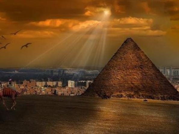 Iluminación en las pirámides un verdadero misterio Pirami10
