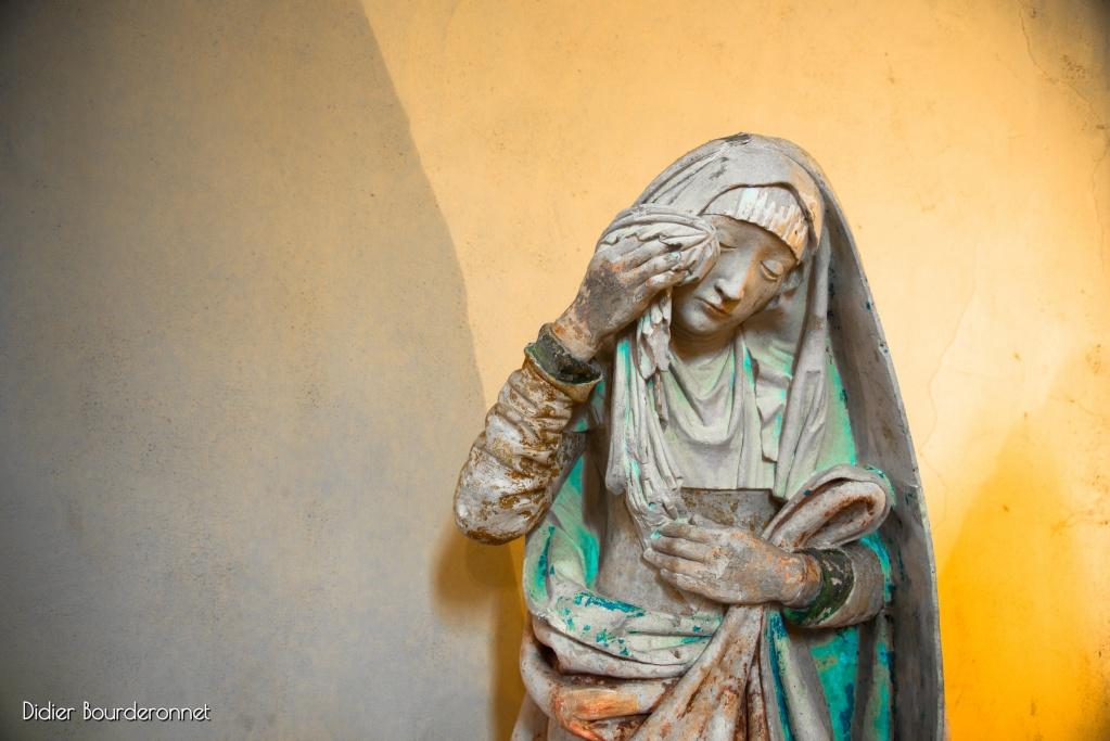 Femme qui pleure Ill2310