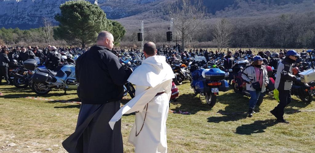 CR - Bénédiction des motos à l'hostellerie de la sainte baume. 20190314