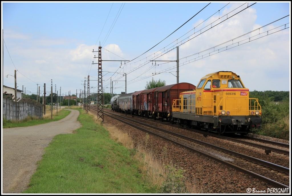 Photos et vidéos de la ligne Bordeaux - Toulouse - Narbonne - Sète (Fil 3) - Page 23 Train_14