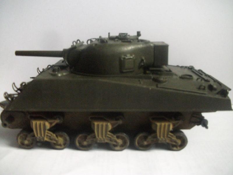 M4 105 Sherman au 1/35 les détails Dscf0062