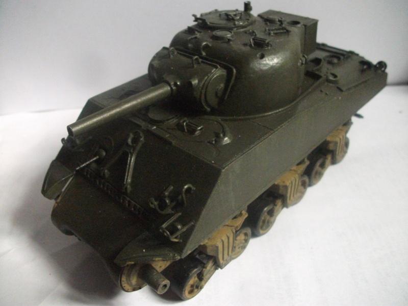 M4 105 Sherman au 1/35 les détails Dscf0063