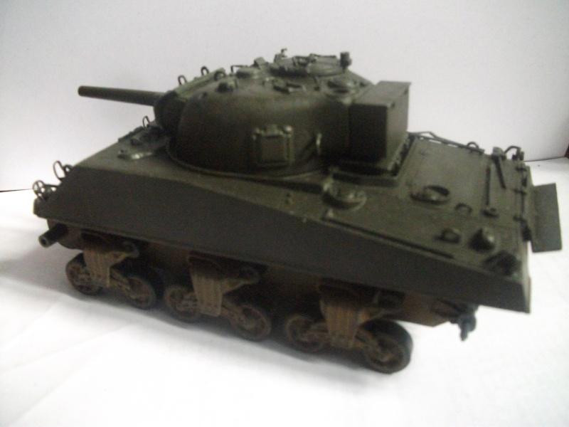 M4 105 Sherman au 1/35 les détails Dscf0064