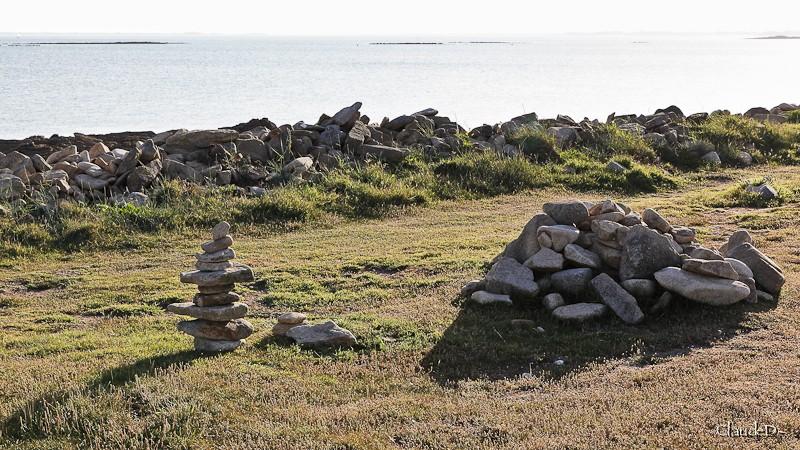 Empilements de pierres ou cairns contemporains  Cairn110