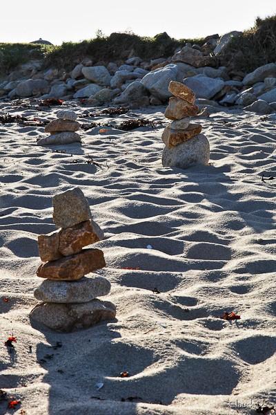Empilements de pierres ou cairns contemporains  Cairn210