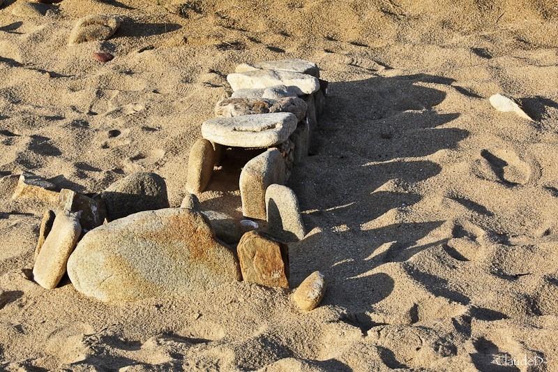 Empilements de pierres ou cairns contemporains  Empile11