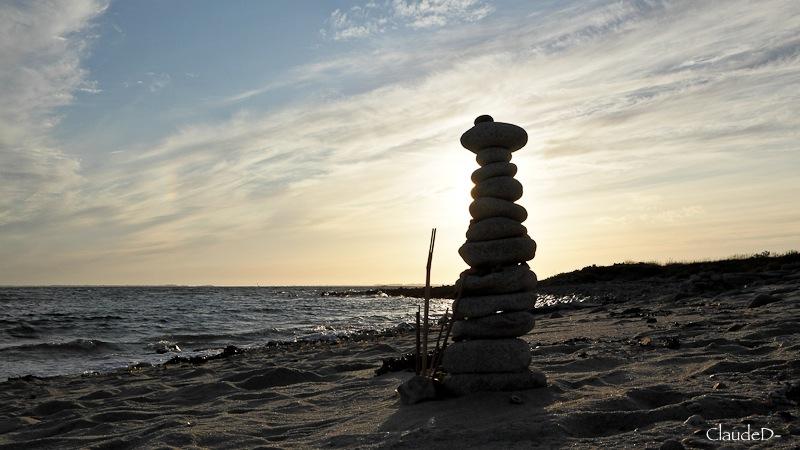 Empilements de pierres ou cairns contemporains  Empile12