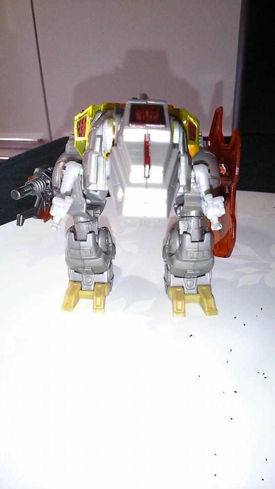 Collection Transformers de sylv1  (AOE, CHUG, TF PRIME, BH, MP, LABELS INDÉS ET G1.. ) Img_1021