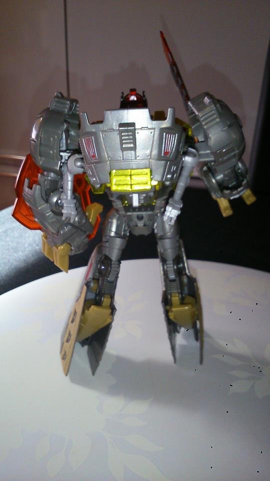 Collection Transformers de sylv1  (AOE, CHUG, TF PRIME, BH, MP, LABELS INDÉS ET G1.. ) Img_1029