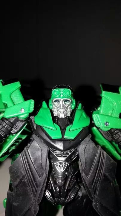 Collection Transformers de sylv1  (AOE, CHUG, TF PRIME, BH, MP, LABELS INDÉS ET G1.. ) Img_1107