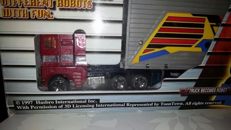 Collection Transformers de sylv1  (AOE, CHUG, TF PRIME, BH, MP, LABELS INDÉS ET G1.. ) Img_1121