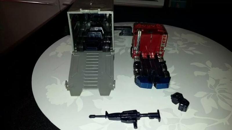 Collection Transformers de sylv1  (AOE, CHUG, TF PRIME, BH, MP, LABELS INDÉS ET G1.. ) Img_1127