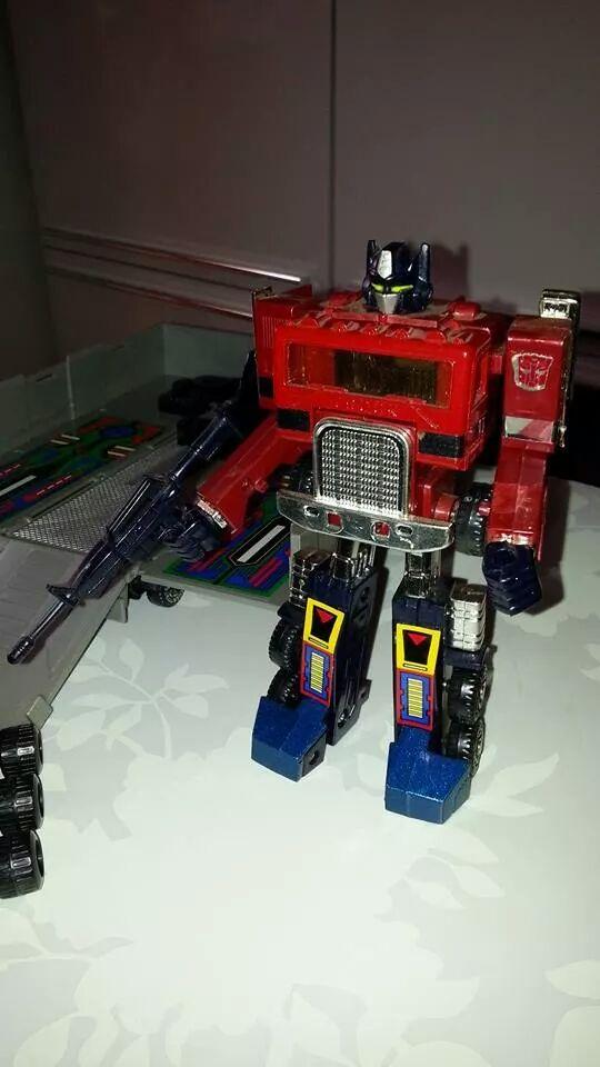 Collection Transformers de sylv1  (AOE, CHUG, TF PRIME, BH, MP, LABELS INDÉS ET G1.. ) Img_1130