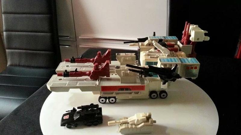 Collection Transformers de sylv1  (AOE, CHUG, TF PRIME, BH, MP, LABELS INDÉS ET G1.. ) Img_1218