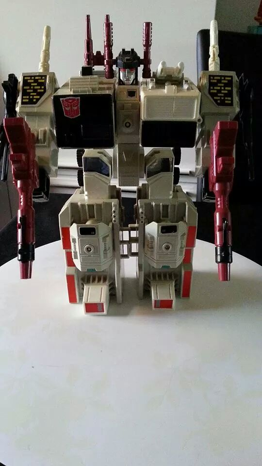 Collection Transformers de sylv1  (AOE, CHUG, TF PRIME, BH, MP, LABELS INDÉS ET G1.. ) Img_1219