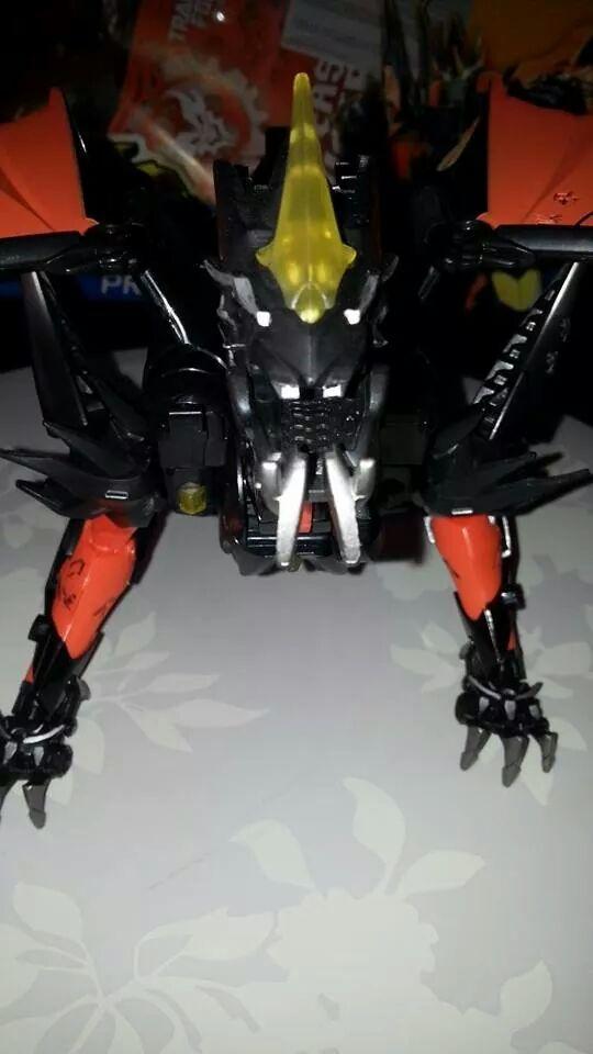 Collection Transformers de sylv1  (AOE, CHUG, TF PRIME, BH, MP, LABELS INDÉS ET G1.. ) Img_1236