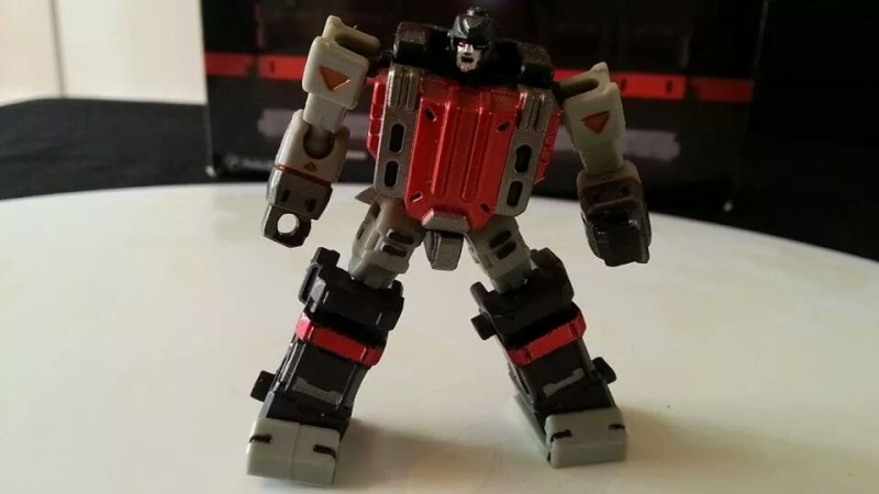 Collection Transformers de sylv1  (AOE, CHUG, TF PRIME, BH, MP, LABELS INDÉS ET G1.. ) Img_1260