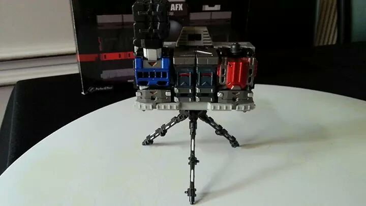Collection Transformers de sylv1  (AOE, CHUG, TF PRIME, BH, MP, LABELS INDÉS ET G1.. ) Img_1272