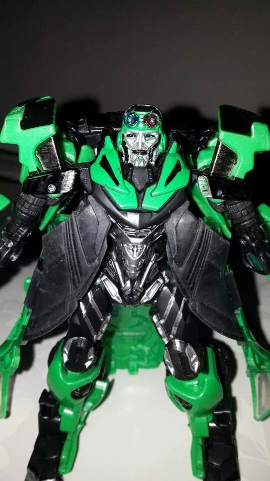 Collection Transformers de sylv1  (AOE, CHUG, TF PRIME, BH, MP, LABELS INDÉS ET G1.. ) Img_1357