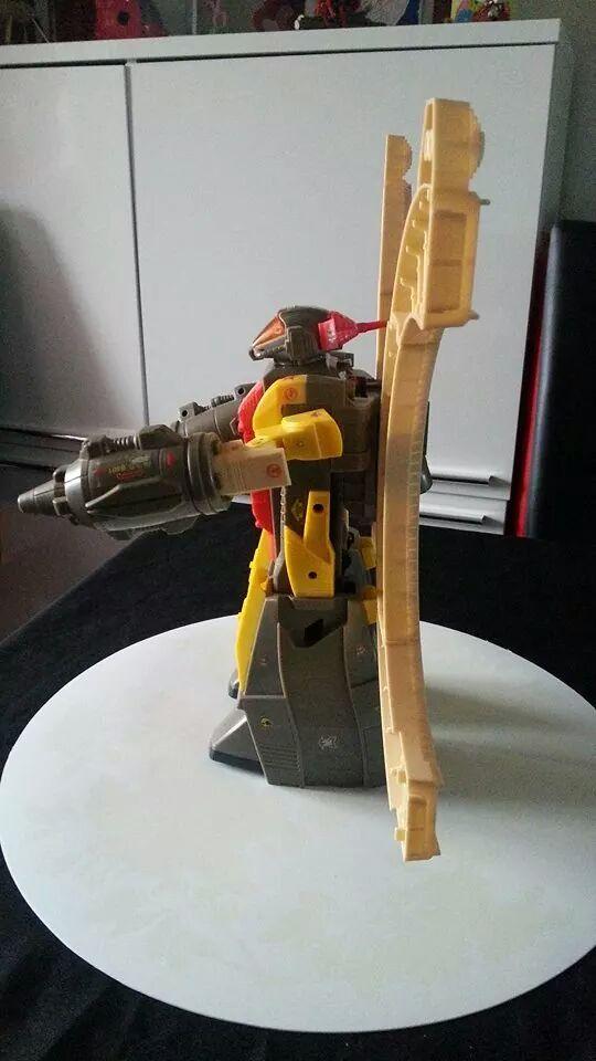 Collection Transformers de sylv1  (AOE, CHUG, TF PRIME, BH, MP, LABELS INDÉS ET G1.. ) Img_1432