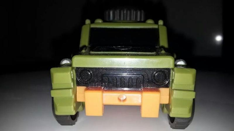 Collection Transformers de sylv1  (AOE, CHUG, TF PRIME, BH, MP, LABELS INDÉS ET G1.. ) Img_1438