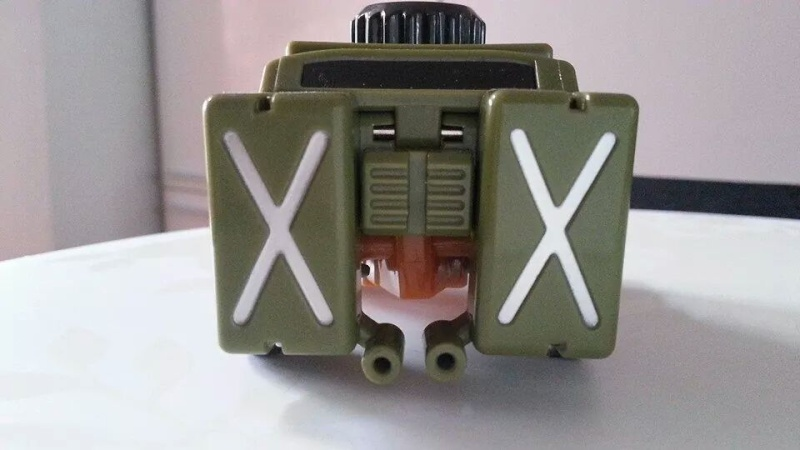 Collection Transformers de sylv1  (AOE, CHUG, TF PRIME, BH, MP, LABELS INDÉS ET G1.. ) Img_1441