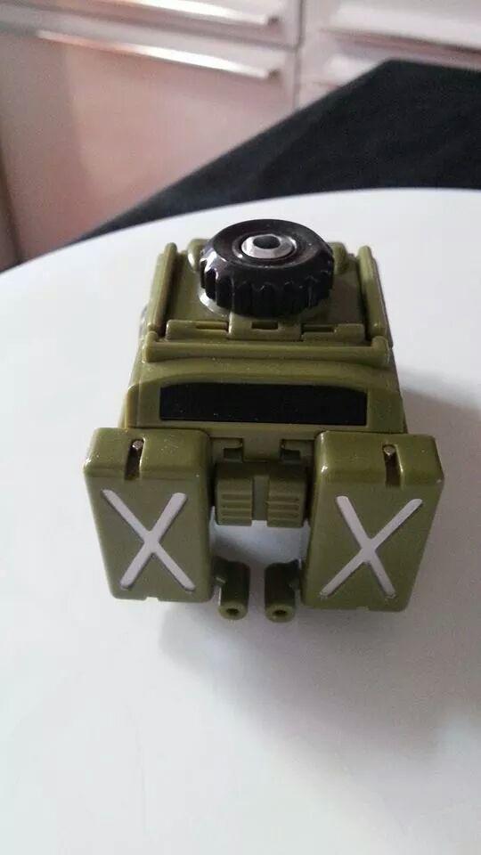 Collection Transformers de sylv1  (AOE, CHUG, TF PRIME, BH, MP, LABELS INDÉS ET G1.. ) Img_1442