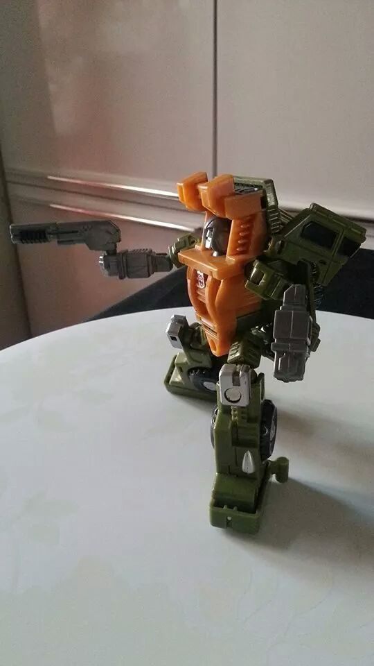 Collection Transformers de sylv1  (AOE, CHUG, TF PRIME, BH, MP, LABELS INDÉS ET G1.. ) Img_1444
