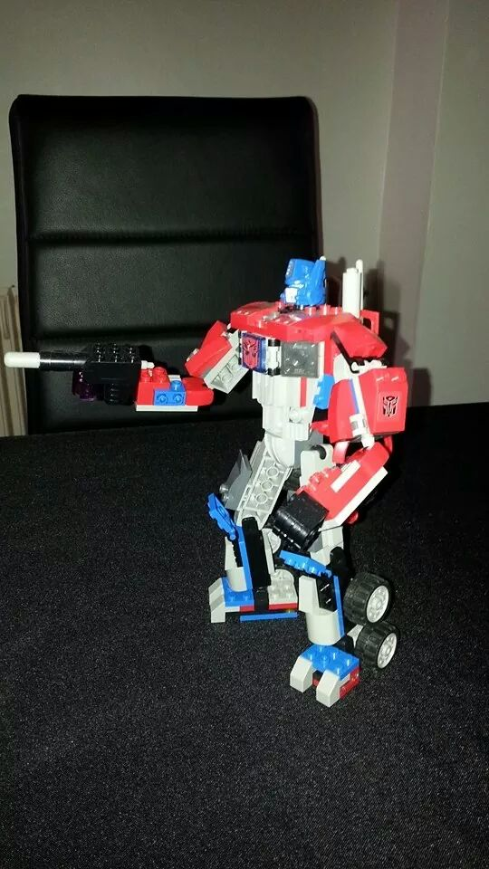 Collection Transformers de sylv1  (AOE, CHUG, TF PRIME, BH, MP, LABELS INDÉS ET G1.. ) Img_1453