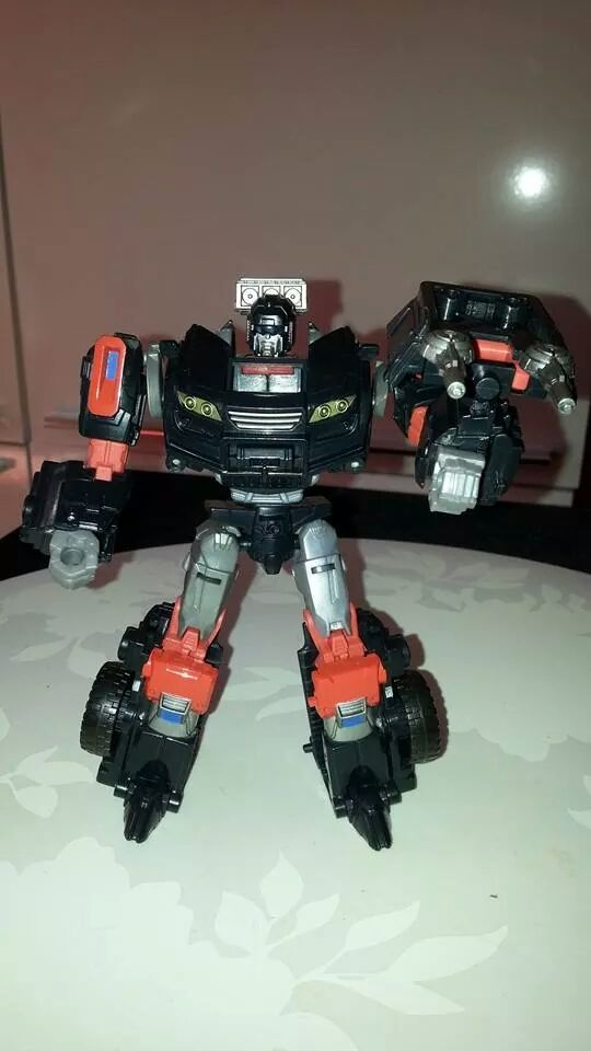 Collection Transformers de sylv1  (AOE, CHUG, TF PRIME, BH, MP, LABELS INDÉS ET G1.. ) Img_1573