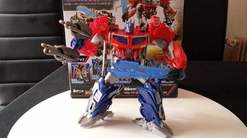 Collection Transformers de sylv1  (AOE, CHUG, TF PRIME, BH, MP, LABELS INDÉS ET G1.. ) Img_1628