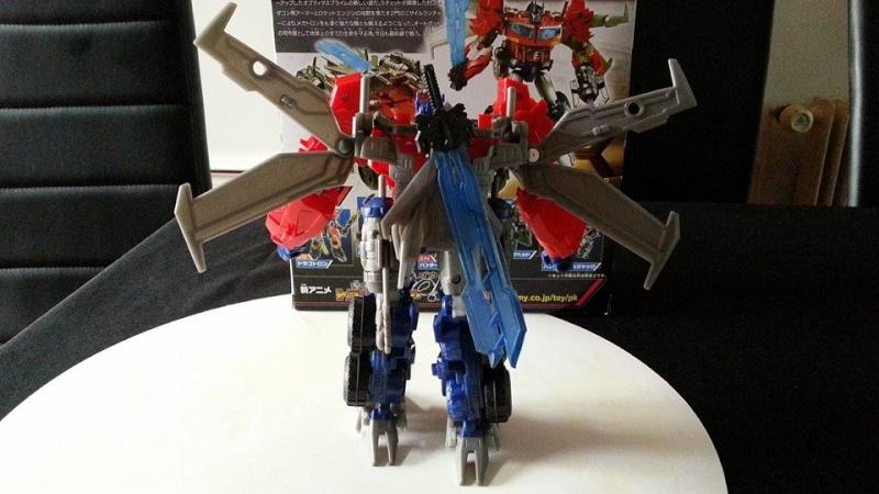 Collection Transformers de sylv1  (AOE, CHUG, TF PRIME, BH, MP, LABELS INDÉS ET G1.. ) Img_1630