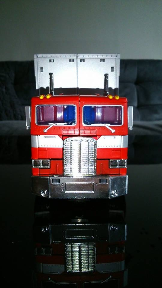 Collection Transformers de sylv1  (AOE, CHUG, TF PRIME, BH, MP, LABELS INDÉS ET G1.. ) Img_1634