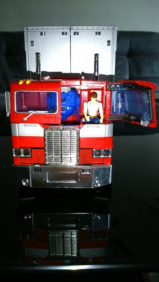 Collection Transformers de sylv1  (AOE, CHUG, TF PRIME, BH, MP, LABELS INDÉS ET G1.. ) Img_1635