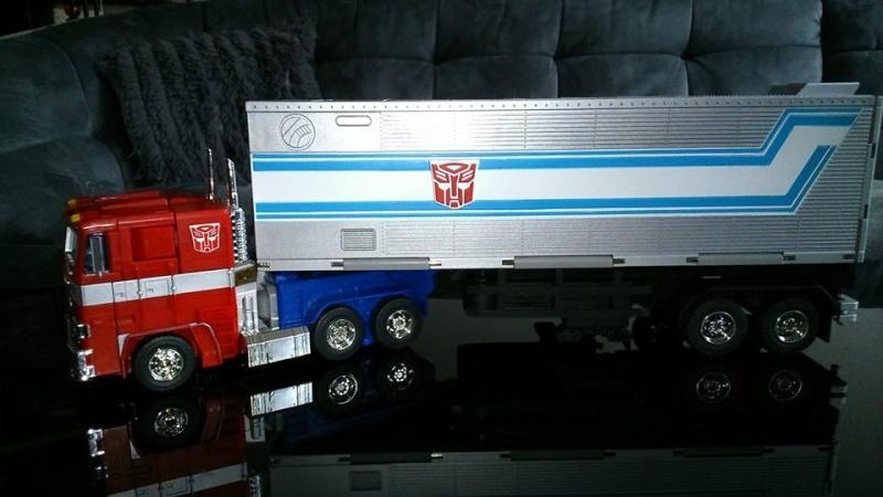 Collection Transformers de sylv1  (AOE, CHUG, TF PRIME, BH, MP, LABELS INDÉS ET G1.. ) Img_1636