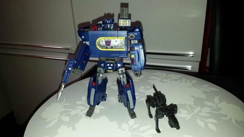Collection Transformers de sylv1  (AOE, CHUG, TF PRIME, BH, MP, LABELS INDÉS ET G1.. ) Img_1648