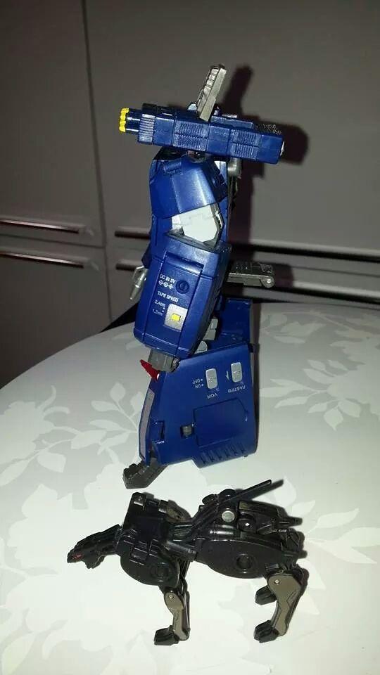 Collection Transformers de sylv1  (AOE, CHUG, TF PRIME, BH, MP, LABELS INDÉS ET G1.. ) Img_1649