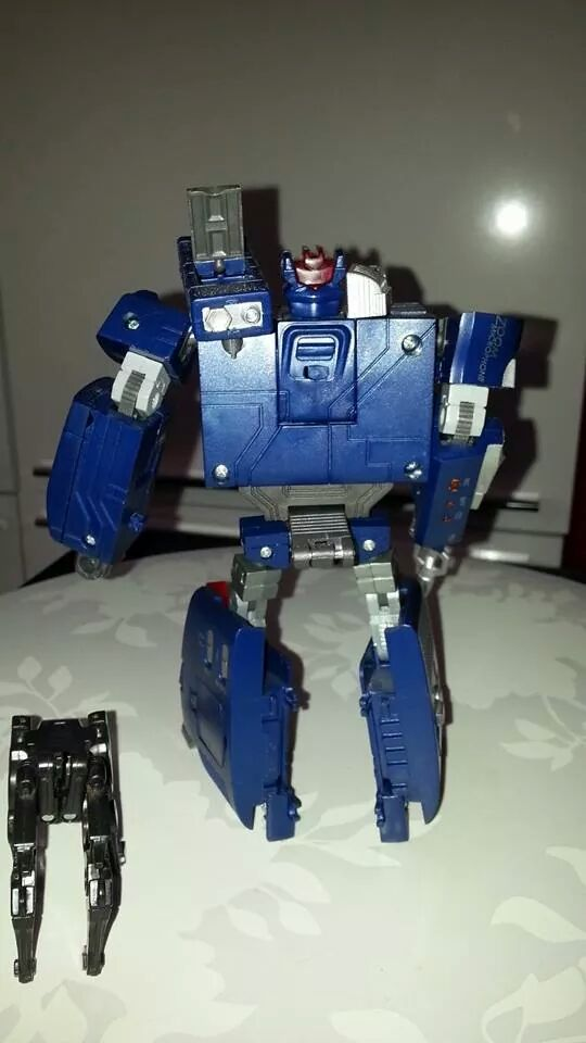 Collection Transformers de sylv1  (AOE, CHUG, TF PRIME, BH, MP, LABELS INDÉS ET G1.. ) Img_1651
