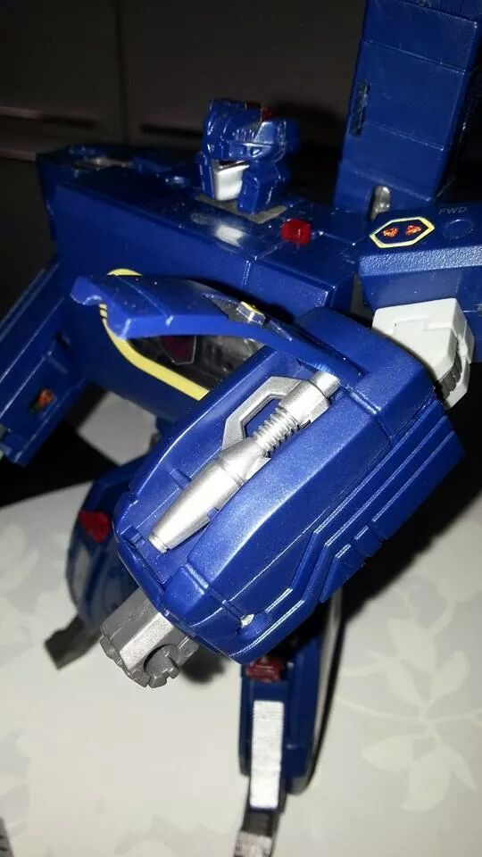Collection Transformers de sylv1  (AOE, CHUG, TF PRIME, BH, MP, LABELS INDÉS ET G1.. ) Img_1653