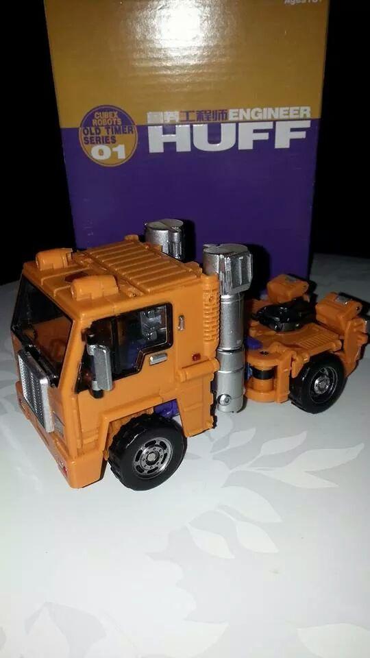 Collection Transformers de sylv1  (AOE, CHUG, TF PRIME, BH, MP, LABELS INDÉS ET G1.. ) Img_1715