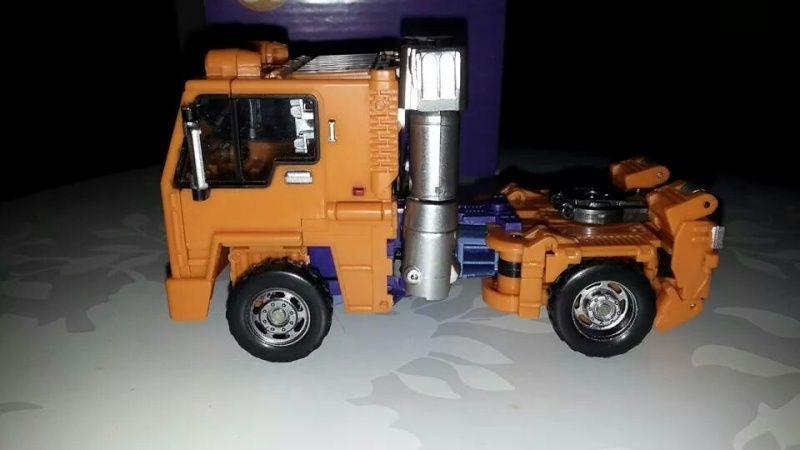 Collection Transformers de sylv1  (AOE, CHUG, TF PRIME, BH, MP, LABELS INDÉS ET G1.. ) Img_1716