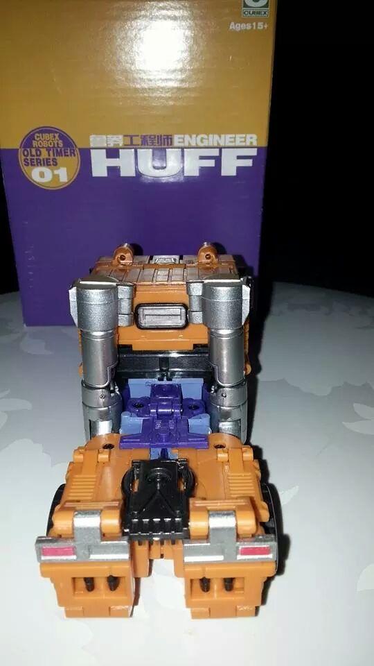 Collection Transformers de sylv1  (AOE, CHUG, TF PRIME, BH, MP, LABELS INDÉS ET G1.. ) Img_1717