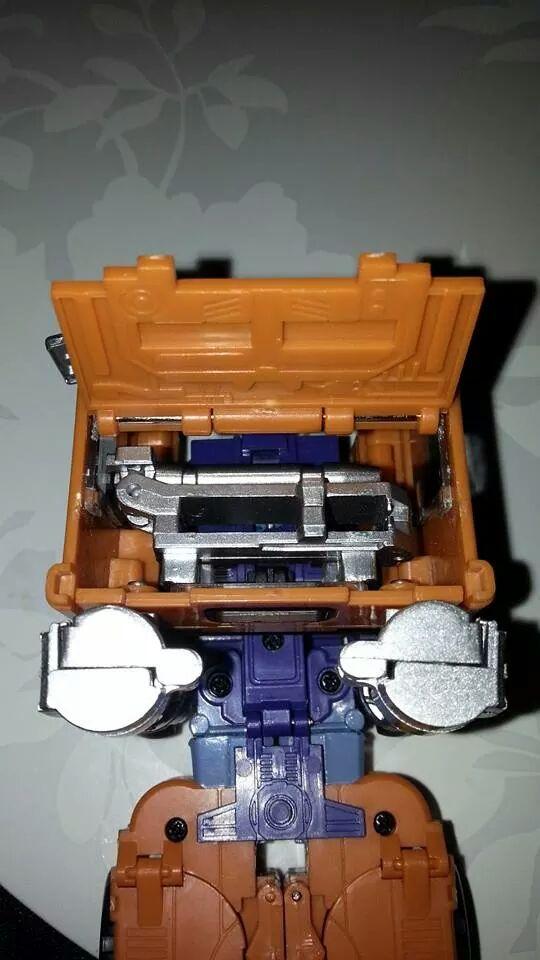 Collection Transformers de sylv1  (AOE, CHUG, TF PRIME, BH, MP, LABELS INDÉS ET G1.. ) Img_1719