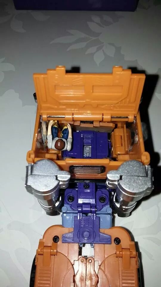 Collection Transformers de sylv1  (AOE, CHUG, TF PRIME, BH, MP, LABELS INDÉS ET G1.. ) Img_1720
