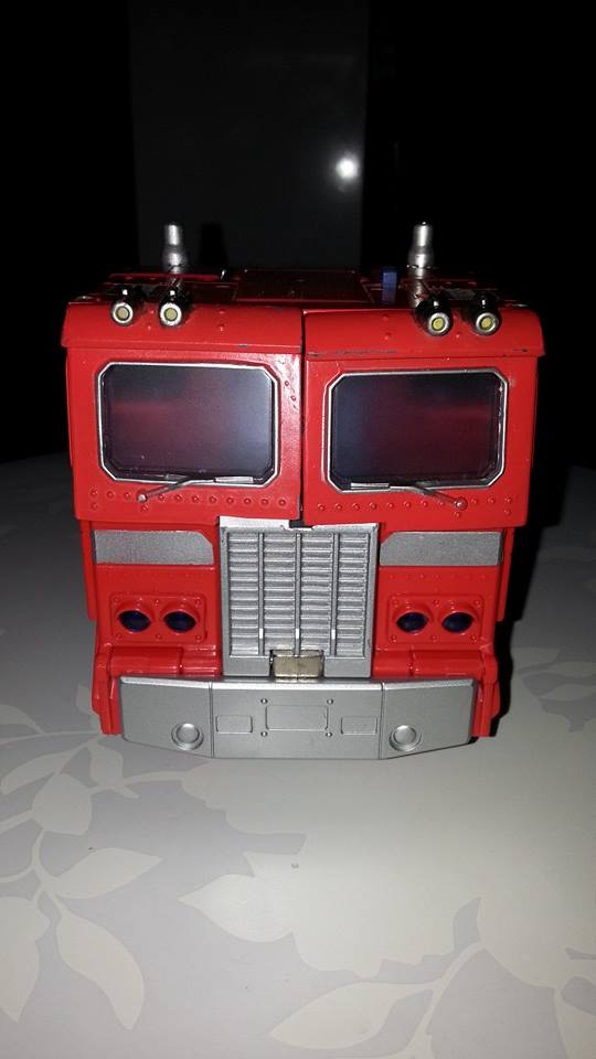 Collection Transformers de sylv1  (AOE, CHUG, TF PRIME, BH, MP, LABELS INDÉS ET G1.. ) Img_1731