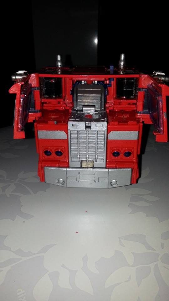 Collection Transformers de sylv1  (AOE, CHUG, TF PRIME, BH, MP, LABELS INDÉS ET G1.. ) Img_1733