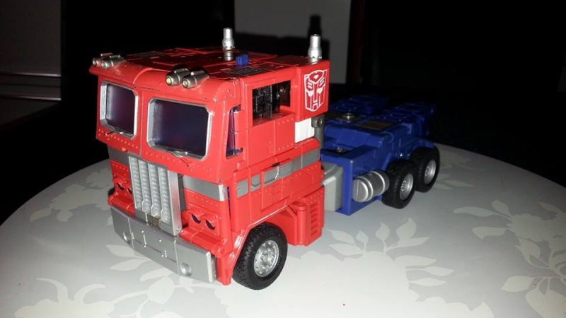 Collection Transformers de sylv1  (AOE, CHUG, TF PRIME, BH, MP, LABELS INDÉS ET G1.. ) Img_1734