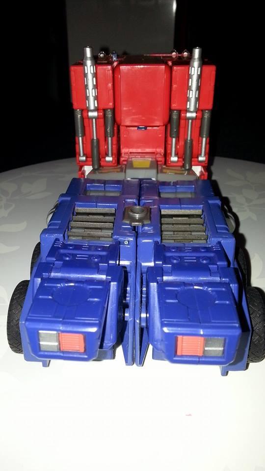Collection Transformers de sylv1  (AOE, CHUG, TF PRIME, BH, MP, LABELS INDÉS ET G1.. ) Img_1735