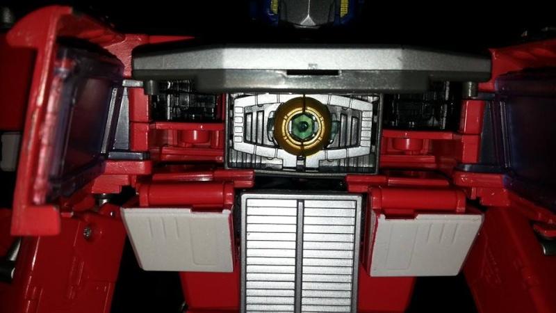 Collection Transformers de sylv1  (AOE, CHUG, TF PRIME, BH, MP, LABELS INDÉS ET G1.. ) Img_1742