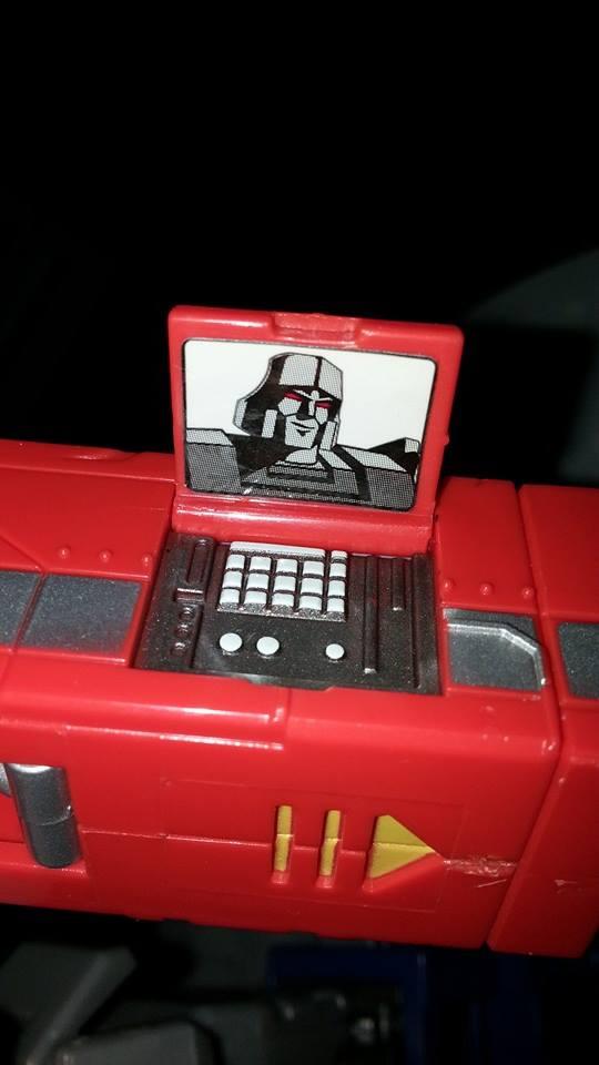 Collection Transformers de sylv1  (AOE, CHUG, TF PRIME, BH, MP, LABELS INDÉS ET G1.. ) Img_1745
